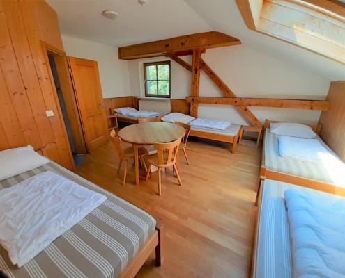 Jugendhaus Berghof - Mehrbettzimmer mit Bad, 1. Stock