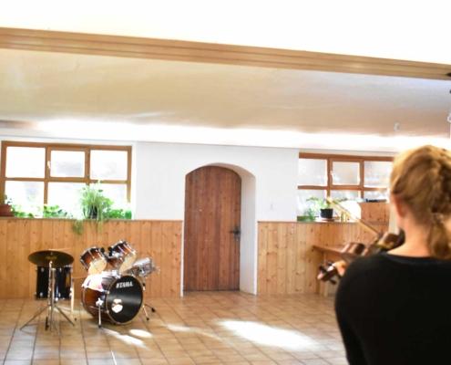 Der Saal im Erdgeschoß im Jugendhaus Berghof