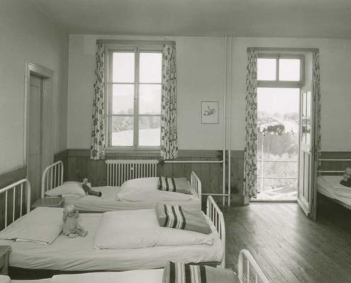 Mehrbettzimmer im Kinderheim