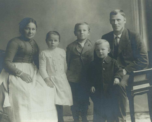 Ursula und Martin Hofer mit Kindern